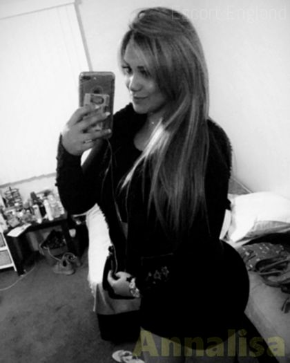 British, 28 years old Annalisa escort girl in England - Image 3