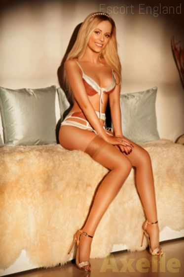 British, 33 years old Axelle escort girl in England - Image 2