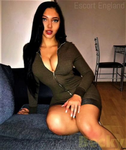 Brazilian, 28 years old Becky escort girl in England - Image 2