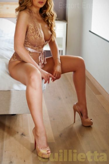 Welsh, 20 years old Guillietta escort girl in England - Image 3