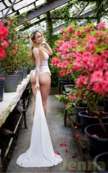 Canadian, 23 years old Jenna escort girl in England - Image 1
