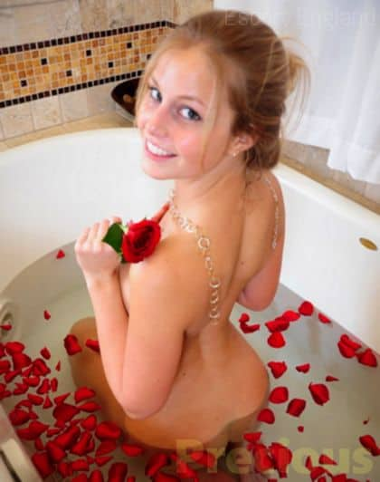 British, 21 years old Precious escort girl in England - Image 3